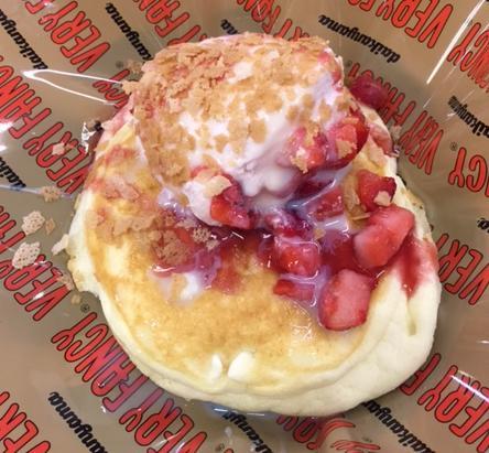 スシローの「苺のふわとろパンケーキ」を食べてみた【感想・カロリー】