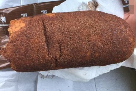 セブンイレブンの揚げパン(ココア)「袋を開けたらビックリ!」【感想・カロリー】