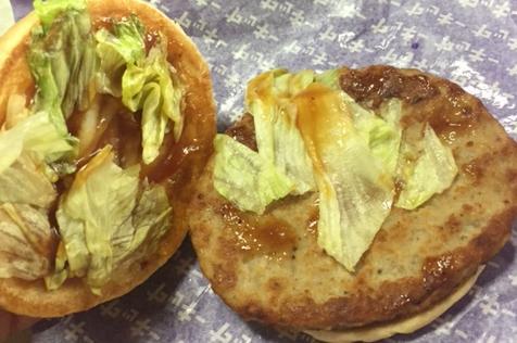 マックのしょうが焼きバーガー(ヤッキー)を食べてみた「マヨネーズ抜きのてりやき」【感想・カロリー】