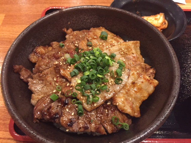 北海道マルハ酒場(マルハのカルビ丼)の感想「合盛カルビ丼が美味しい」【御徒町】