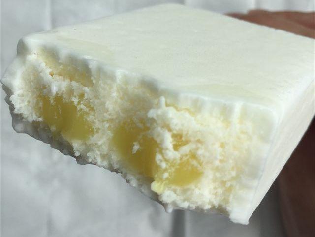 ガリガリ君リッチ レアチーズ味を食べてみた「ミルクレモン味」【感想・カロリー】