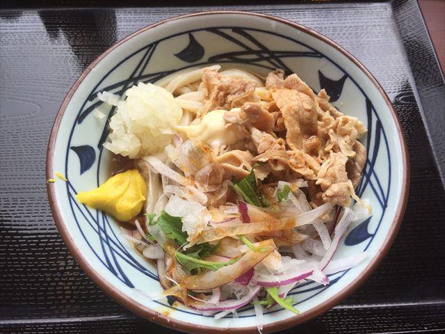 丸亀製麺の「こく旨豚しゃぶぶっかけ」を食べてみた【感想・カロリー】