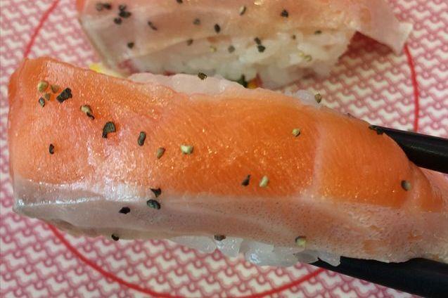 かっぱ寿司の「サーモン大漁フェス」でサーモンを食べてみた【感想・カロリー】