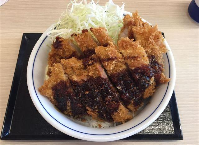 かつやの「テリマヨ合盛りカツ丼」を食べてみた【感想・カロリー】