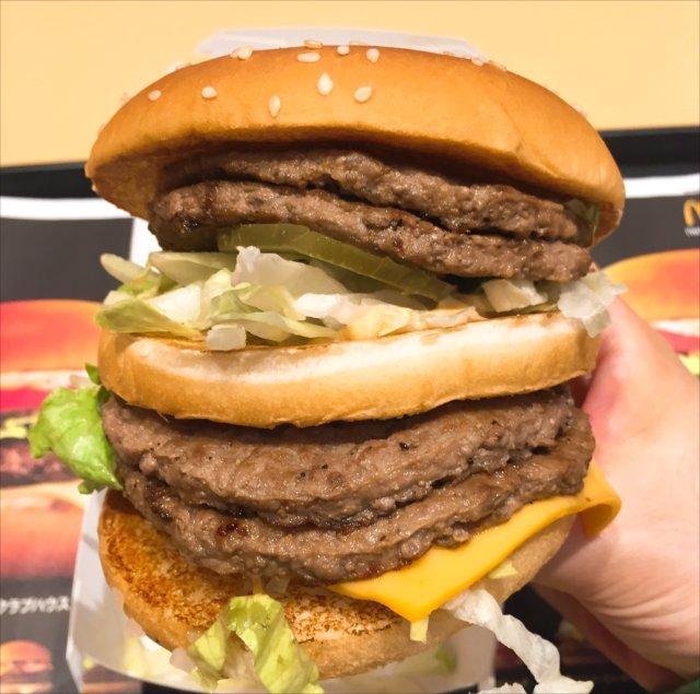 夜マックの倍ビッグマックを食べてみた「パティが4枚!」【感想・カロリー】