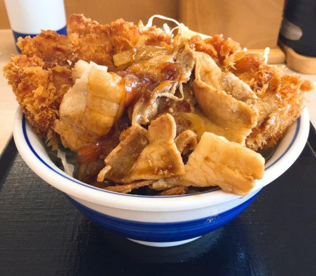 かつやの「肉盛りチキンカツ丼」を食べてみた【感想・カロリー】